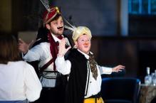 Adam Torrance (Ferrando) and Oskar McCarthy (Guglielmo), Pop-Up Opera, Cosi, Summer Season 2014 (courtesy Richard Davenport)